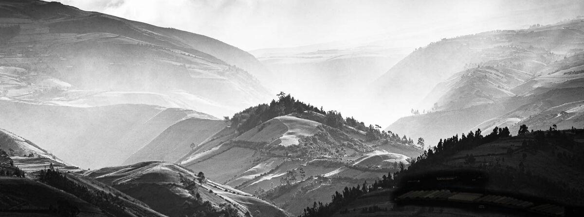 Derek Bridel AFIAP, BPE2,Annual Mono Print, Quito Sun Rays