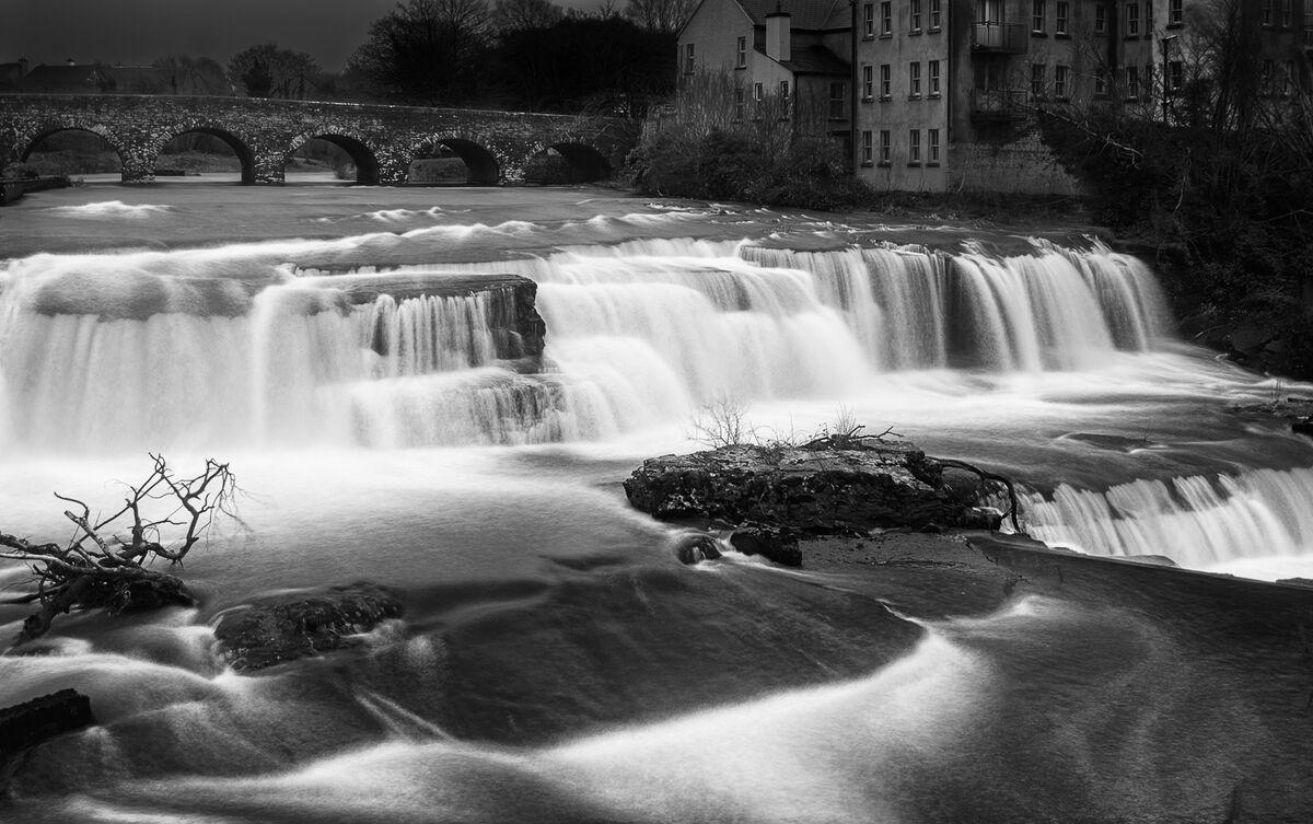 Nigel Byrom ,Mono, The Falls