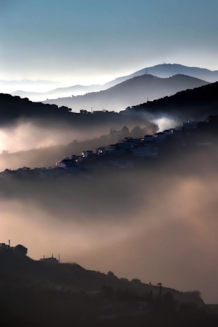 7.Mountain Mist.Lake Vinuela