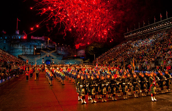 Scottish photographic circle the royal edinburgh military for Royal edinburgh military tattoo
