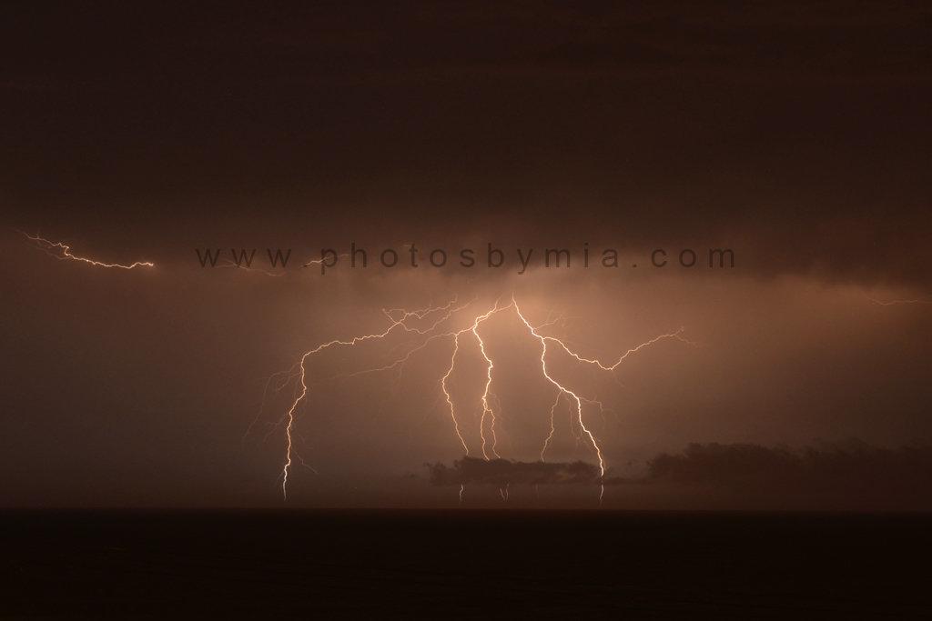 Lightning branches