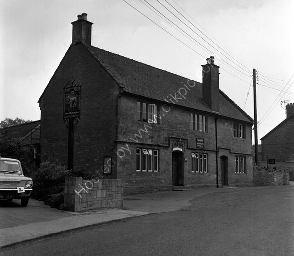 Lamb Inn Tintinhull in 1974 and before conversion to a dwelling