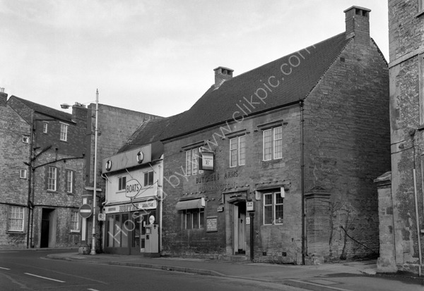 Butchers Arms, Hendford, Yeovil BA20 1TQ around 1974
