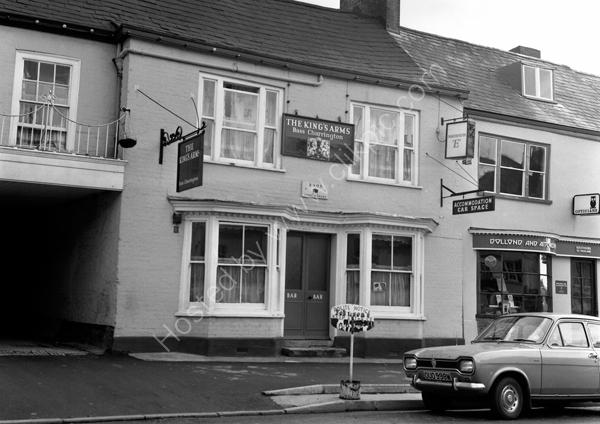 Kings Arms, High Street, Honiton around 1974. No longer a pub.