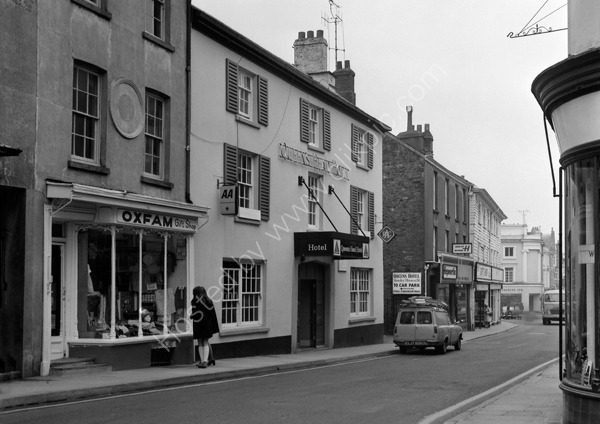 Browns Hotel (formerly the Queens Head Hotel as here in 1974) West Street, Tavistock PL19 8AQ around 1974.