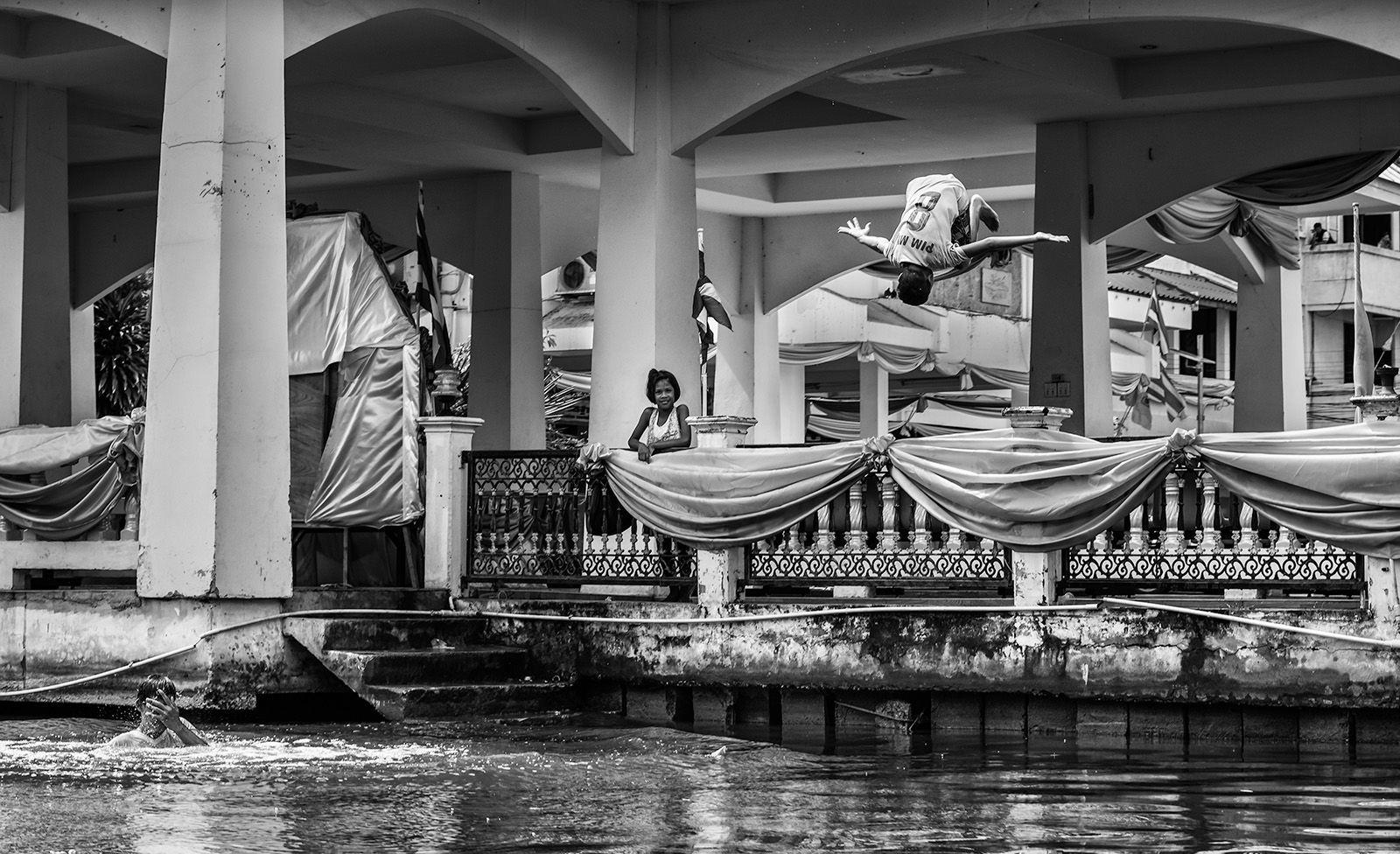 MonoChrome Highly Commended: Bangkok River Jump 2019/2020