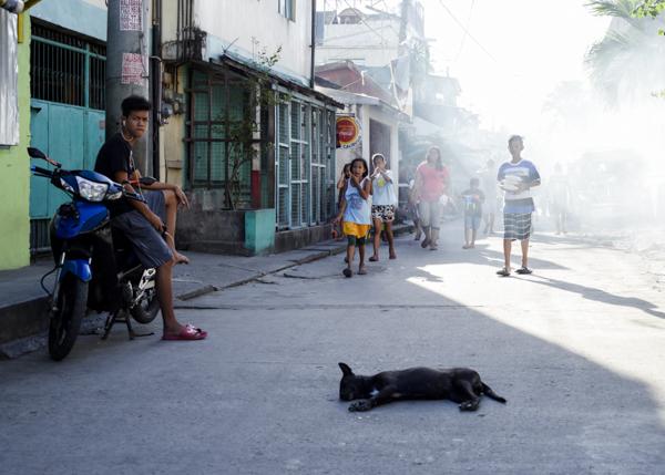 Hazy streets, Bicutan