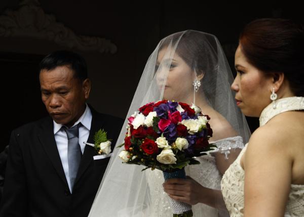 Losing a daughter, Manila