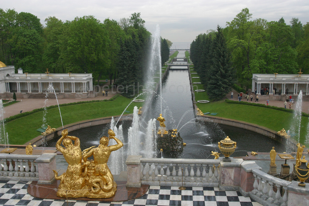 The Grand Peterhof Palace and the Grand Cascade, St. Petersburg, Russia