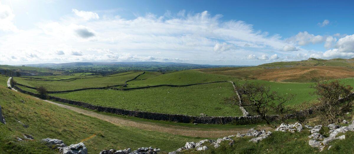Panoramic_View of Ingleton North Yorkshire.