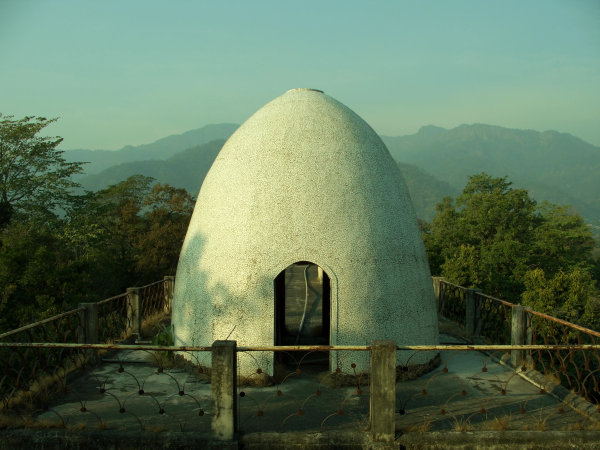 Meditation Chamber - Chaurasi Kutiya / Beatles Ashram - Rishikesh - India - 2006