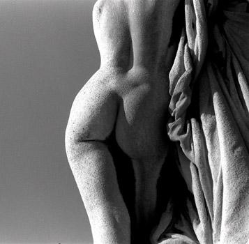 Paris statue.