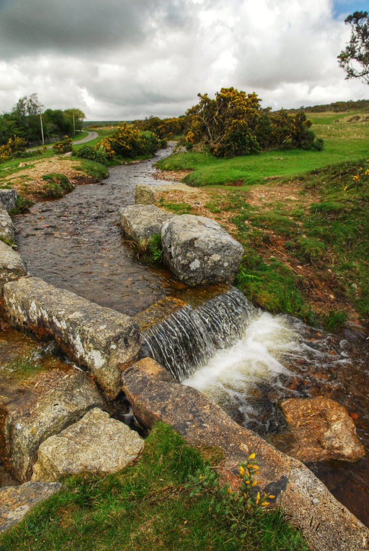 Grimstone and Sortridge leat Dartmoor May 2014