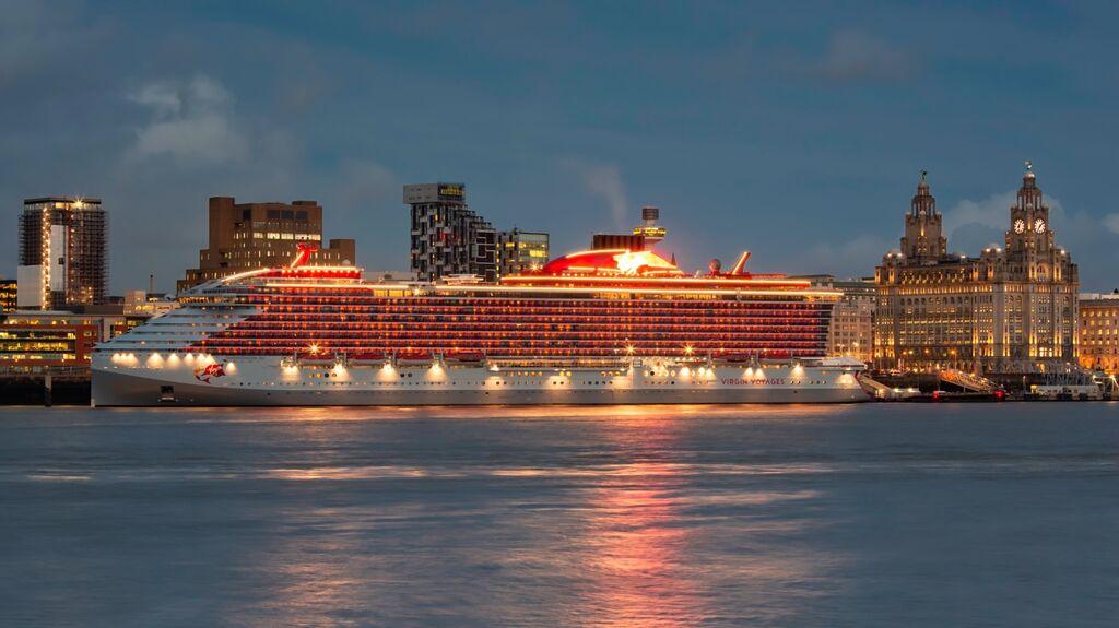 Scarlet Lady Virgin Cruise Ship 00011