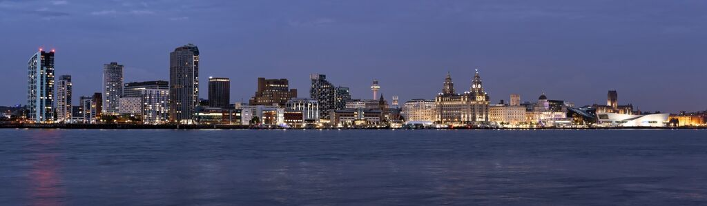 """""""The Iconic Liverpool Waterfront"""""""