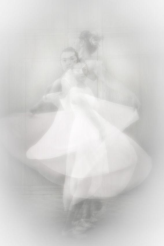 Ballerina - Kim Pickup