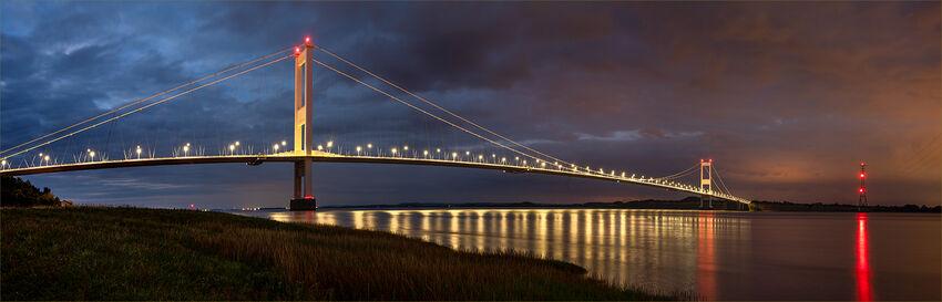 Geoff Mallin--- Severn Bridge at night