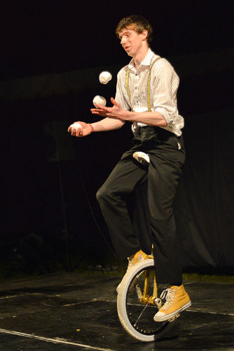 Unicycle juggling