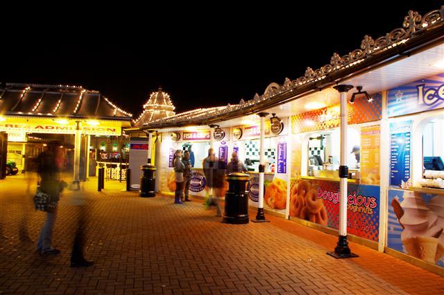 Brighton Pier chippy, Donuts Ice Cream