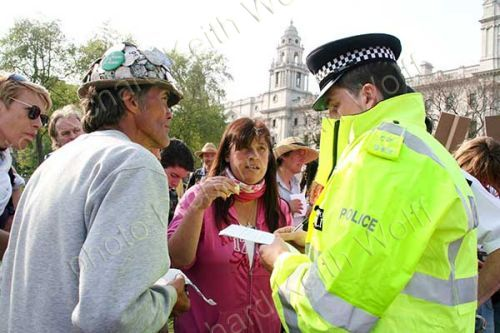 Brian Haw, Barbara Tucker & policeman