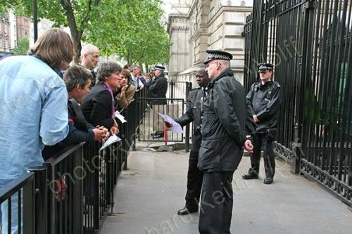 Gallestegui goes to arrest PM Blair
