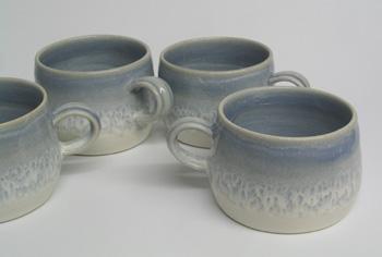 Wide 'bomb' mug.