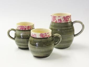 Grey ball chintz mug and jug