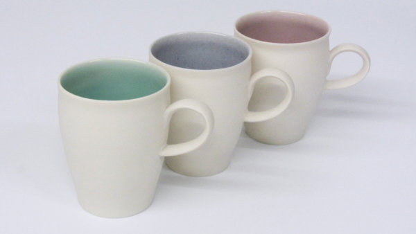 Thrown porcelain with complementary glaze colours