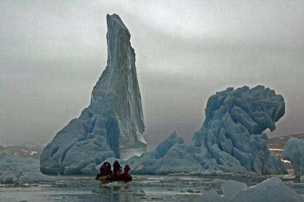 Napassorsuaq Fjord - Bergs and Zodiac