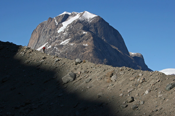 Moraine Walker - Thyryms Glacier