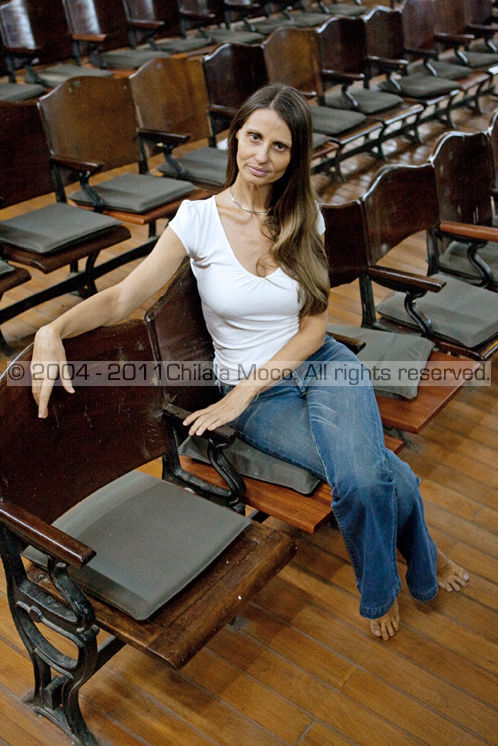 Ana Clara Guerra Marques herself & on her own feet