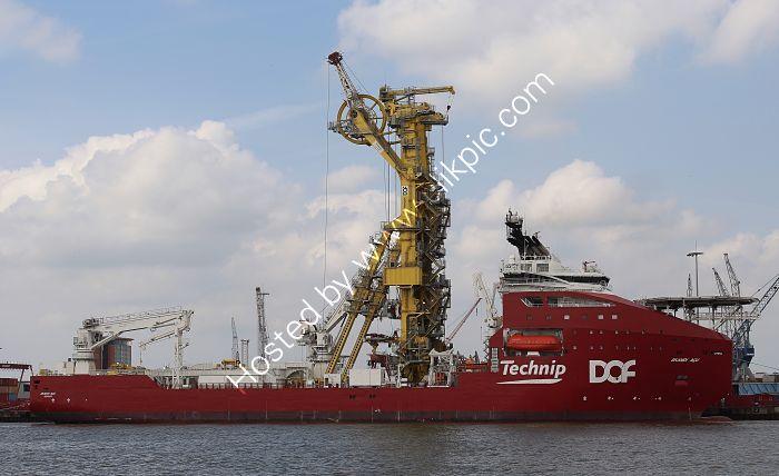 Ref CON-42 Skandi Acu Construction Vessel Port Of Rotterdam Holland 2016 (C)RLT Aviation And Maritime Images 2018 opt