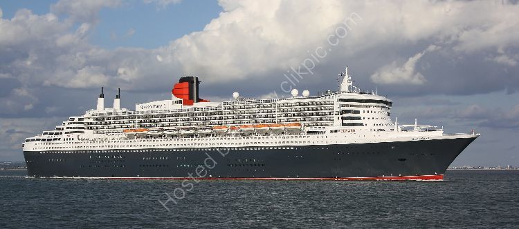 Ref CLCD42 Queen Mary 2 Ocean Liner Cunard Entering The Solent Gt Britain 2010 (C)RLT Aviation And Maritime Images 2018