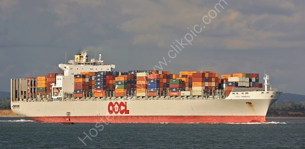 Ref OCT7 OOCL Hamburg Container Ship Entering The Solent From Southampton Water Hampshire Gt Britain 2010 (C)RLT Aviation And Maritime Images 2018