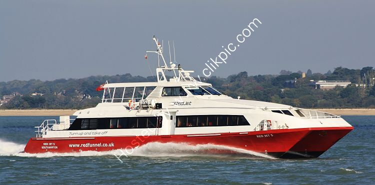 Ref PF-36 Red Jet 6 Fast Pasasenger Ferry Southampton Water Hampshire GB 2021(C)Copyright Reserved 2021-RLT Aviation And Maritime Images