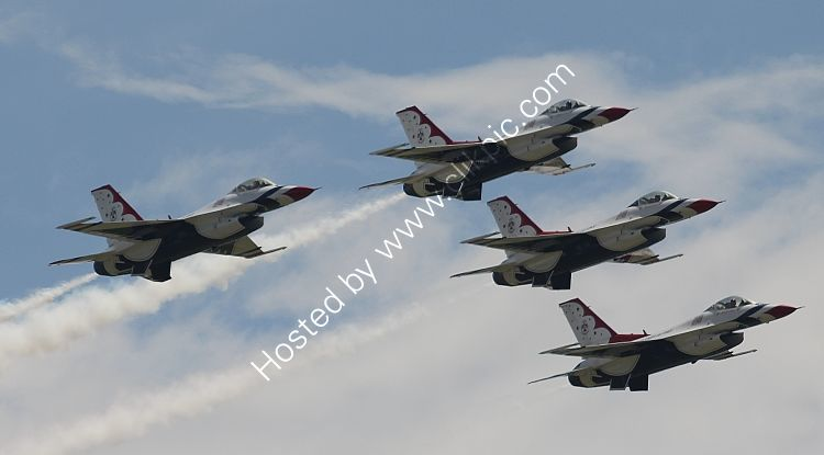 Ref TDS2 General Dynamics F16A Fighting Falcon's USAF Thunderbirds Display Squadron EAA Airshow Lakeland Airport Florida USA 2015 (C)RLT Aviation And Maritime Images 2018