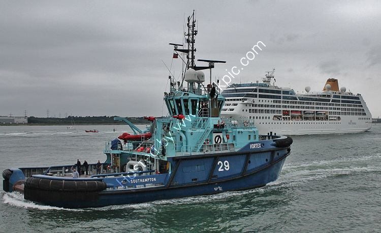 Ref TSV28 Vortex Tug Southampton Water Hampshire Gt Britain 2012 (C)RLT Aviation And Maritime Images 2018 opt