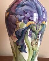 Iris lamp base