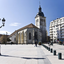 Plaza d'Eglise St Maurice, Annecy
