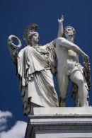 Statues, Schlossbrucke