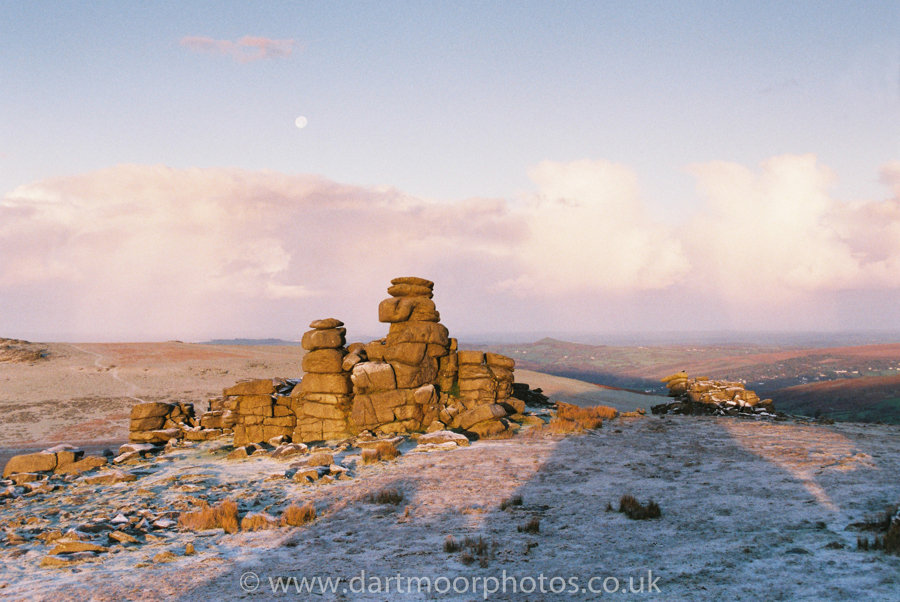 Great Staple Tor moonset, sunrise, winter dusting