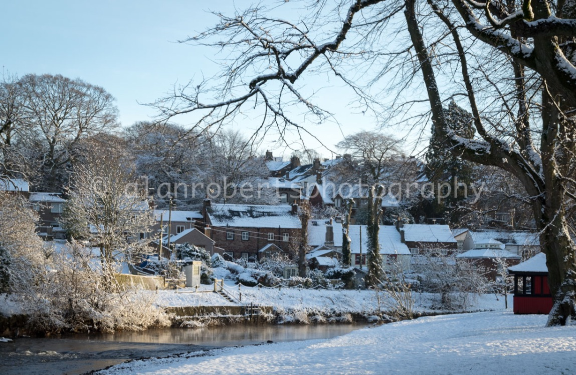 APPLEBY LOOKING TO THE SANDS