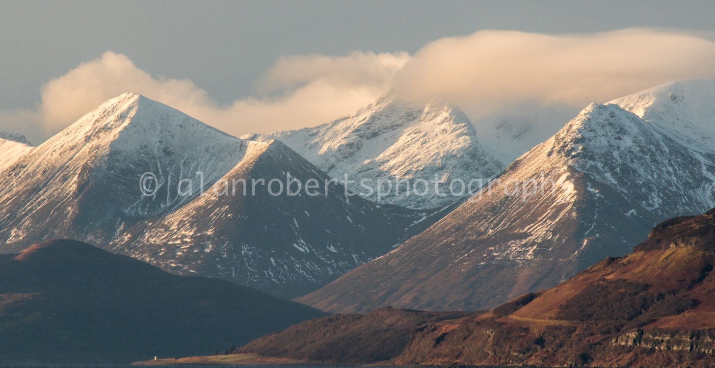 APPLECROSS - EARLY MORNING LIGHT ON RAASAY
