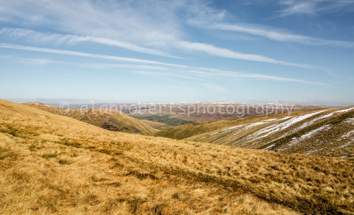 HOWGILL FELLS ON WAY TO THE CALF