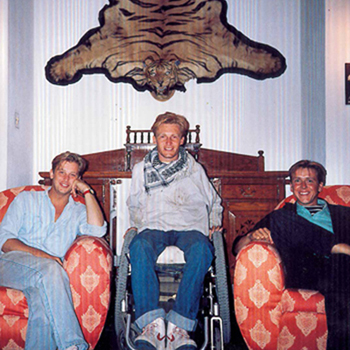 DAVID 1990