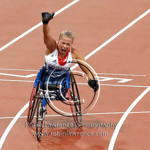 Hannah Cockcroft winning T34  gold