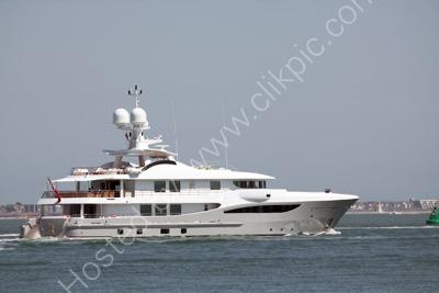 Yacht Bel Abri