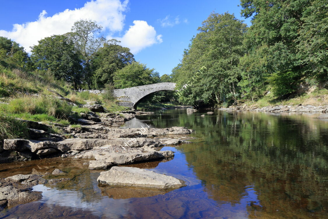 Packhorse bridge over River Ribble at Stainforth