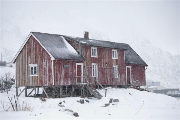 Derelict, Henningsvaer