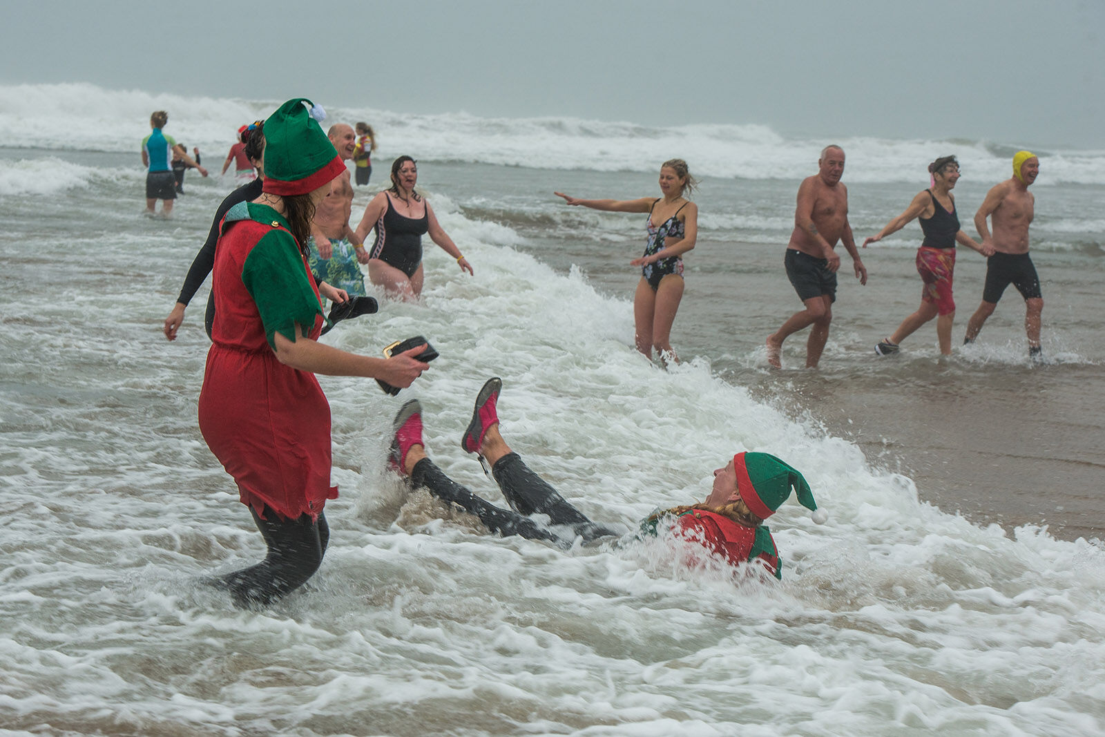 Bude xmas day swim 3